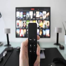 自宅で動画を120%楽しむための厳選アイテム5選!