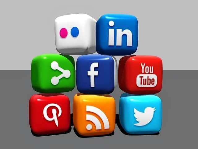 WordPressでSNSのソーシャルボタンを作るプラグイン【WP Social Bookmarking Light】