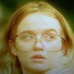 ケイト・マラーキー(若い頃)・・・ローン・カーティス
