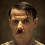 アドルフ・ヒトラー・・・ノア・テイラー